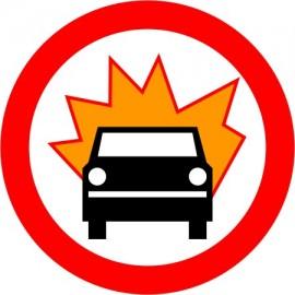 Naklejka B-13 zakaz wjazdu pojazdów z materiałami wybuchowymi lub łatwo zapalnymi